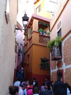 Kissing Alley, Callejon de Beso
